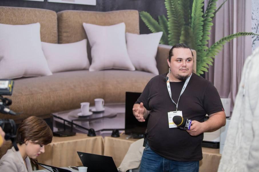 Bogdan Cazacu la DefCamp 2017